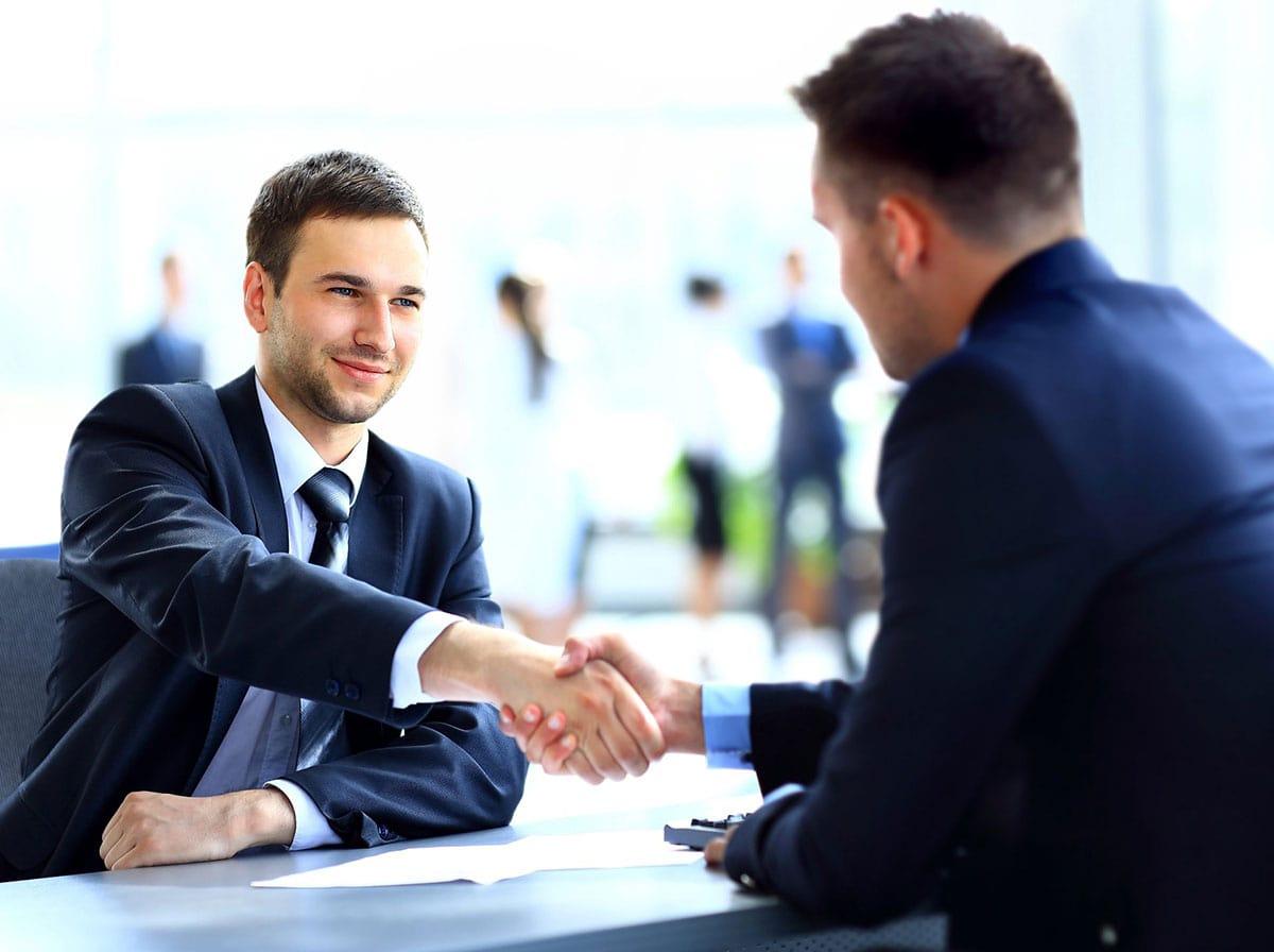 転職サイトと転職エージェントは、自走かプロの補助かの違い